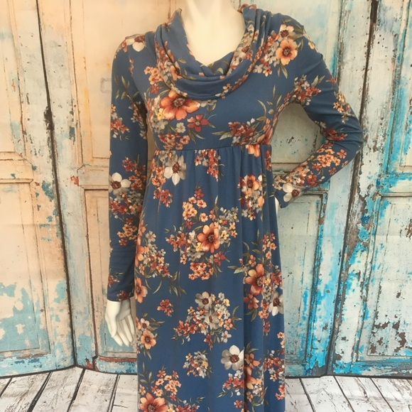 5bc7e8bca30a4 MOTHER BEE MATERNITY Soft Blue Floral Maxi Dress. M_5b7d8f4004ef50a26aa83efe